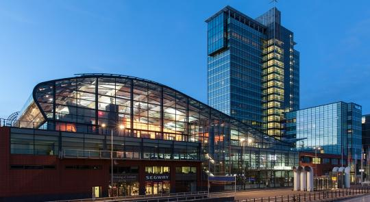 passenger_terminal_of_amsterdam